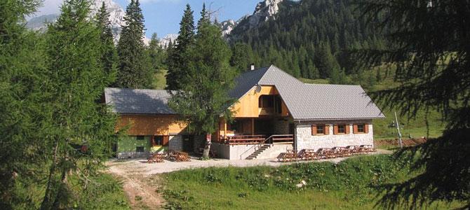 Obiščite nov planinski dom na Zelenici